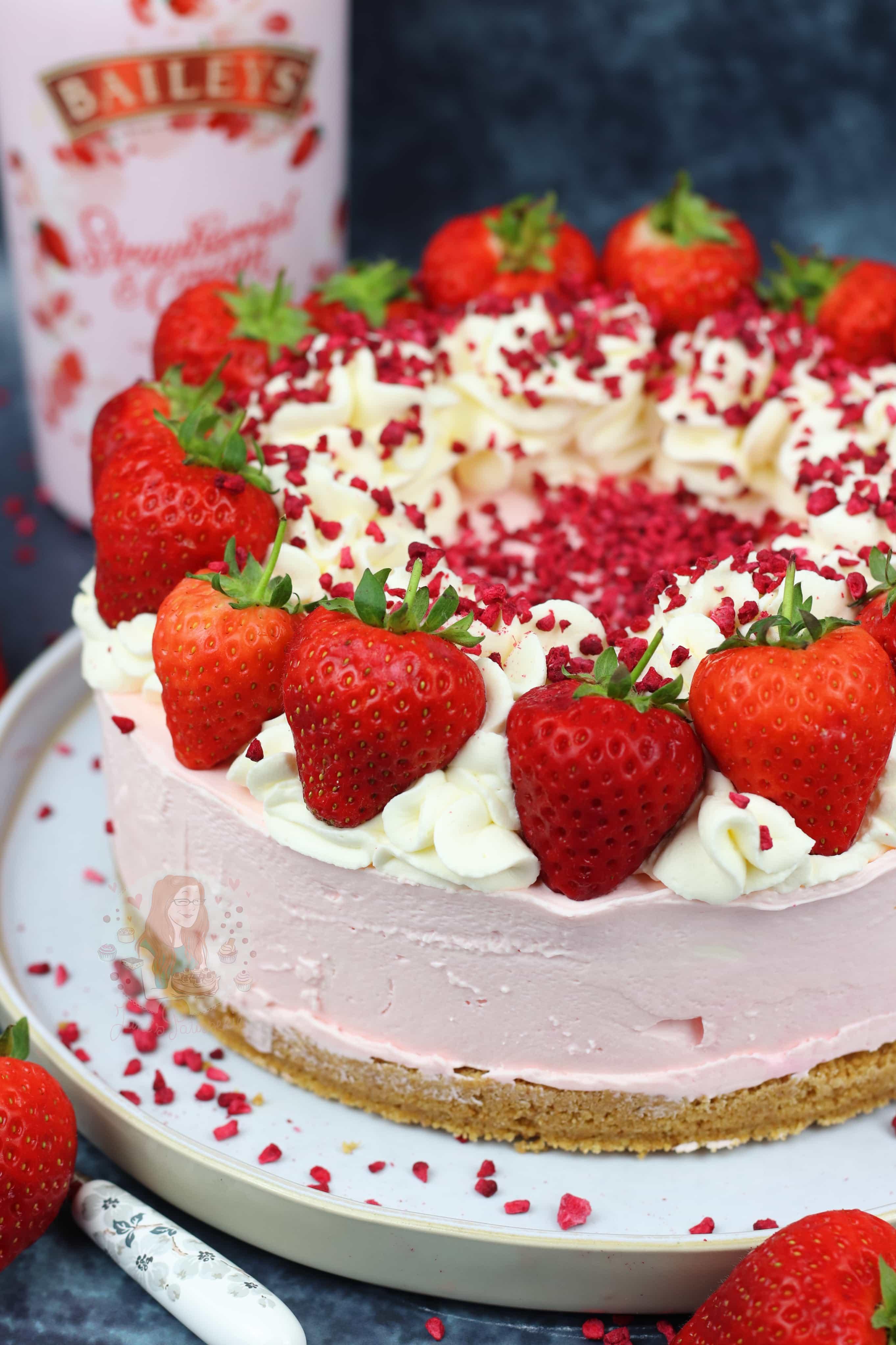 Baileys Strawberries Cream Cheesecake